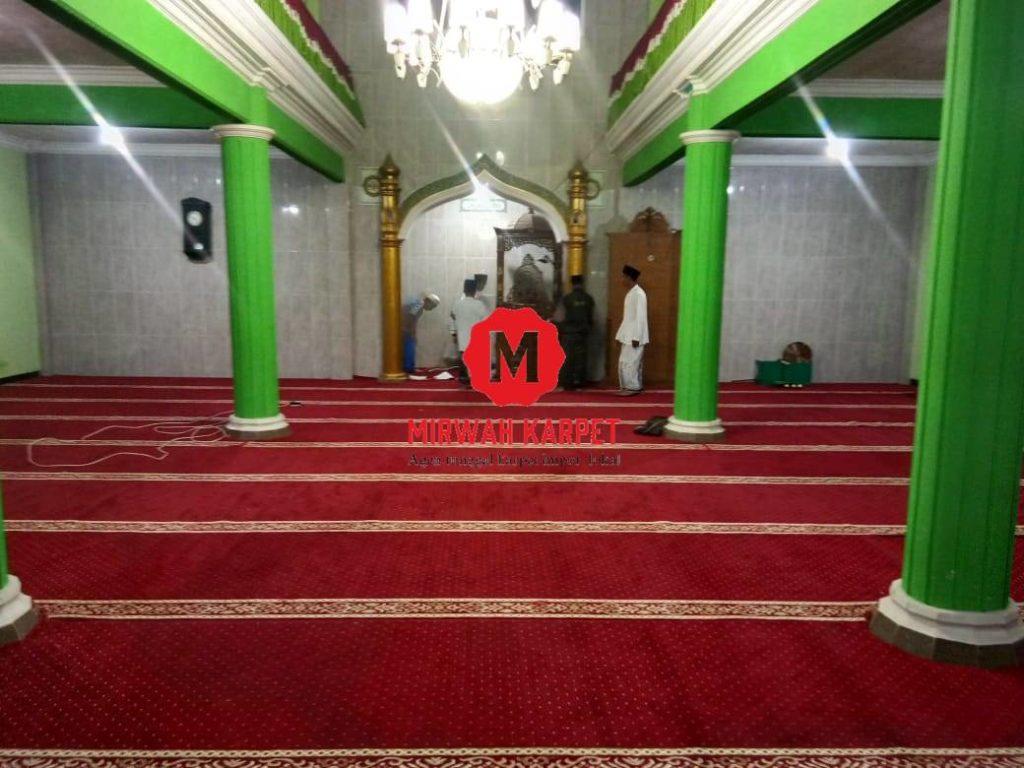 finishing karpet masjid