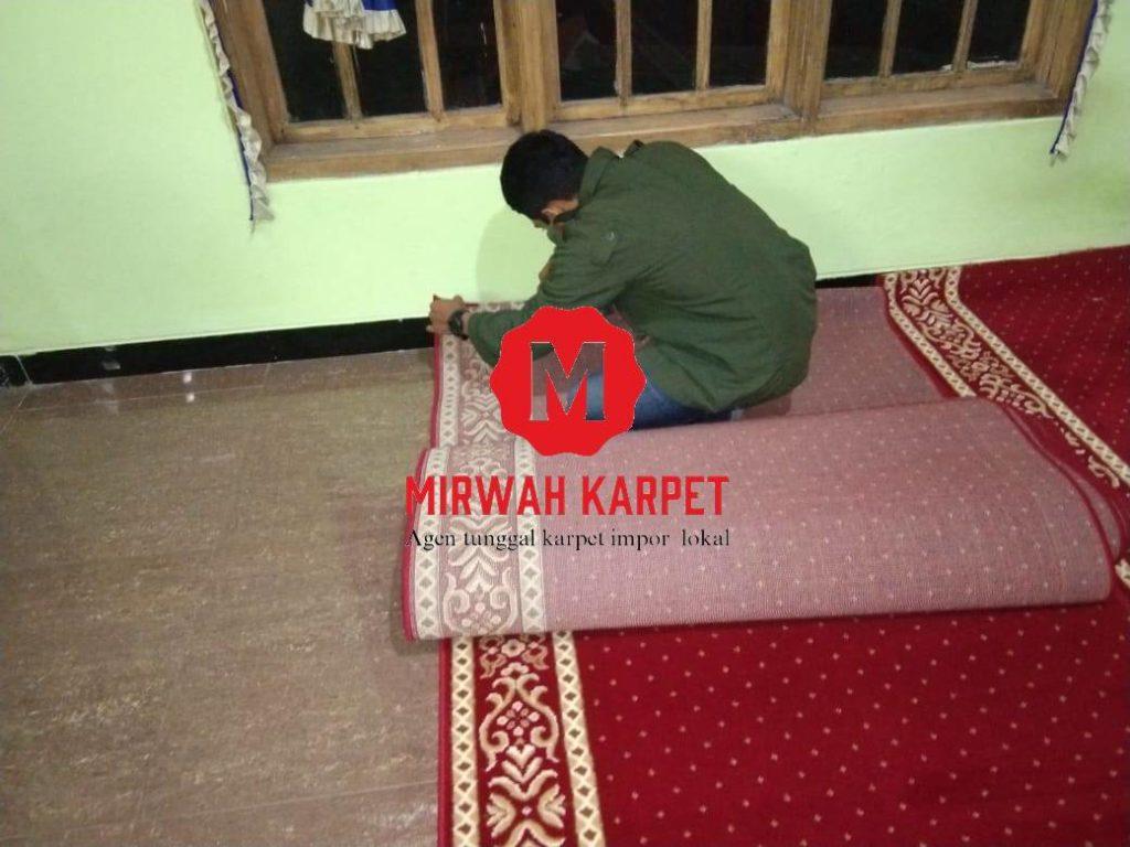 proses pemasangan karpet