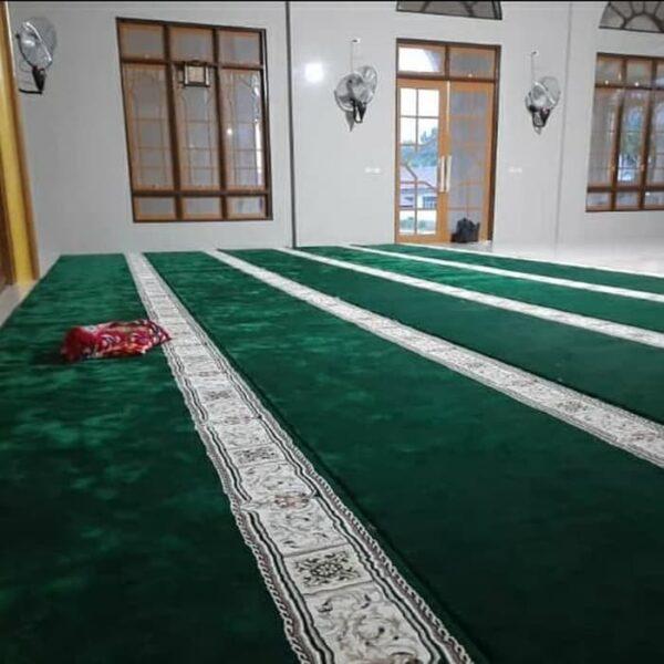 Karpet Masjid Masterpice Hijau terpasang