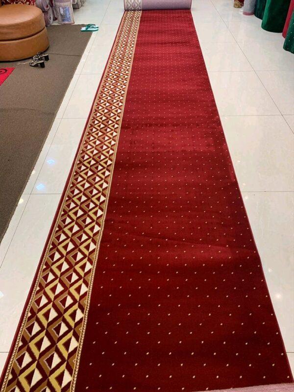 karpet masjid qatar merah